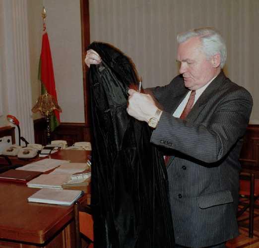 Валерий Тихиня - депутат, впоследствии ставший председателем Конституционного суда республики Беларусь
