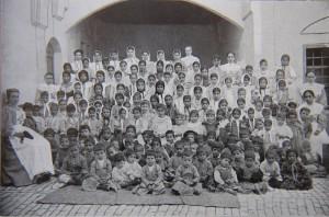 Воспитанники старшего класса Назаретской учительской семинарии ИППО
