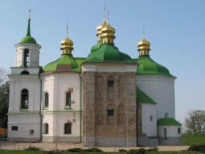 800px-Church_of_the_Saviour_at_Berestove_(Side_view)