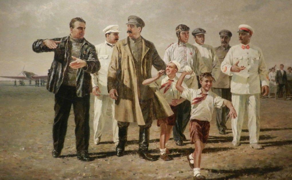 Картина художника П. Мальцева «Встреча героического экипажа». (Слева от вождя - Валерий Чкалов.) 1936 год.