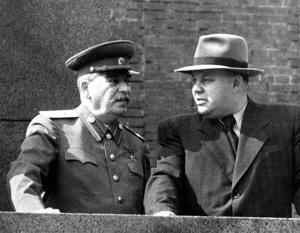 Stalin-i-voznesenskij-1