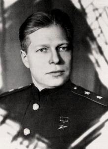 Генерал-лейтенант_Устинов,_1944_год