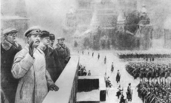на фотографии трибуны мавзолея в день парада 7 ноября 1941 года Щербаков стоит ближе всех к Сталину, прямо за его плечом.