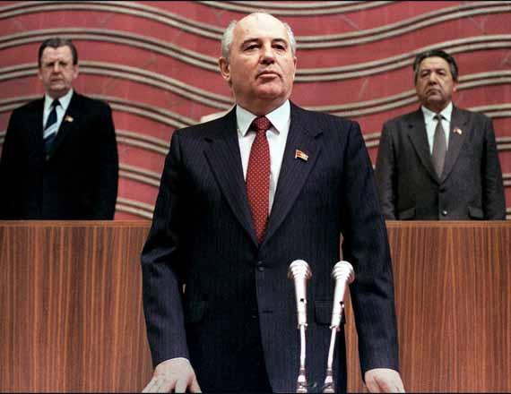 Первый советский президент Михаил Горбачев присягу на Съезде народных депутатов, Москва, 15 марта 1990