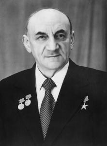 Борис Евсеевич Черток