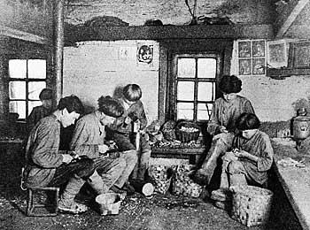 Рис. 3. Изготовление деревянных трубок
