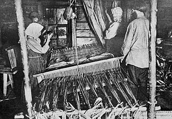 Рис. 5. Производство рогож на дому