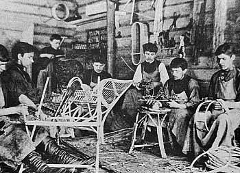 Рис. 6. Производство корзин и плетеной мебели