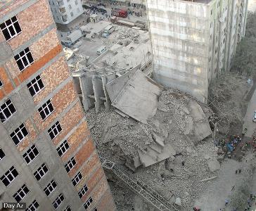 Рис. 16 . Аналогичная монолитная этажерка, рухнувшая в Баку 21 августа 2007 г. в подвале сооружения погибло 12 человек
