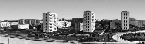 Рис. 15. Жилой район Химки-Ховрино в Москве. Архитекторы Н. Н. Селиванов, Я. Д. Мухамедханов и др. Строился с 1962 г.