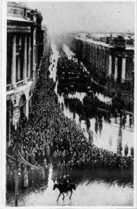 Рис. 36. Похороны жертв революции. Март 1917.