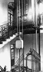 Рис. 40. Система блоков лифта в доходном доме. Москва. 1902 г.